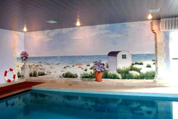 Muurschildering strand aan noordzee in een overdekt zwembad - Muur zwembad ...